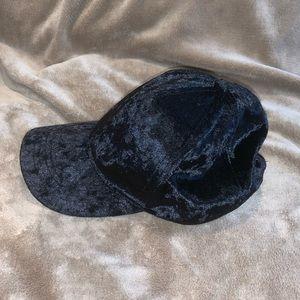NWOT Mudd velvet fashion chic baseball cap